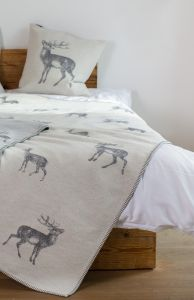 Off White Red Deer Sylt Throw