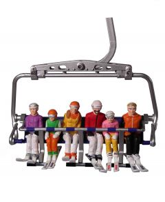 Set of 6 sitting figurines with skis